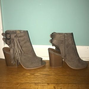 Qupid open-toed booties; worn once
